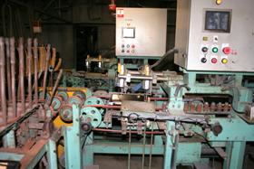 機械による瓦のネジレ選別