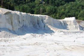 鉄分の少ない石州水上地方の粘土
